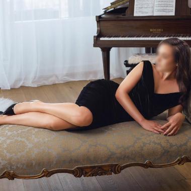 Nicole Kapoor-Escorts-3011-380x380