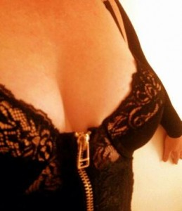venissacrook-Escorts-5cb97c60db361_postad_2126425913