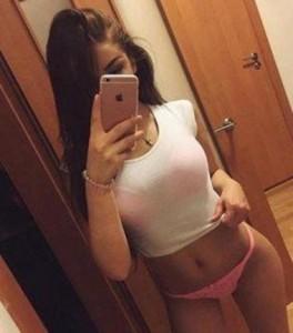 Rita-Body Rubs-5cf67800eceb6_postad_1255233536