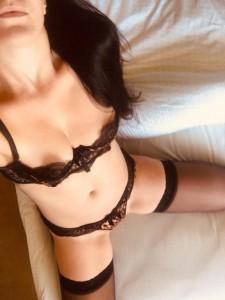 Hot Aussie Chic-Body Rubs-5d481de22e3f6_postad_1925986158