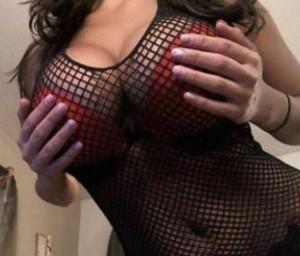 Christina-Escorts-5d9632d5890e0_postad_1728004718