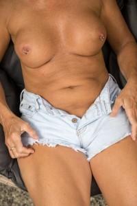 Hot Aussie MILF-Escorts-5e6cb97c9bc9a_postad_1890713799
