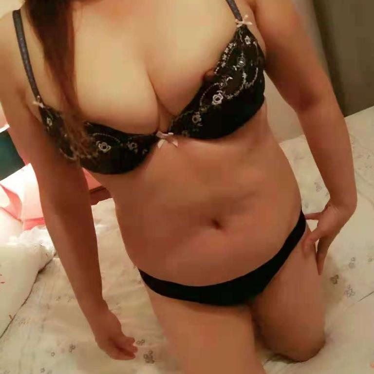 Busty Asian-Escorts-1570584682