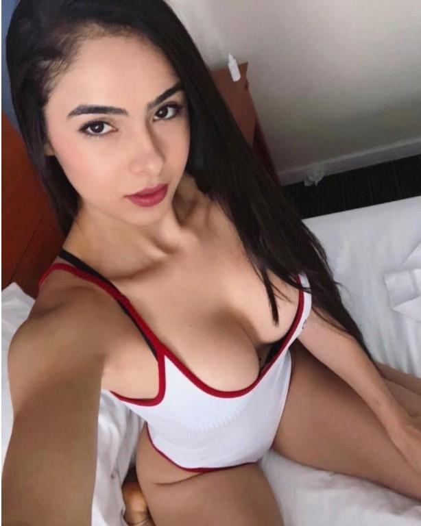 Hot Girl-Escorts-1575308783